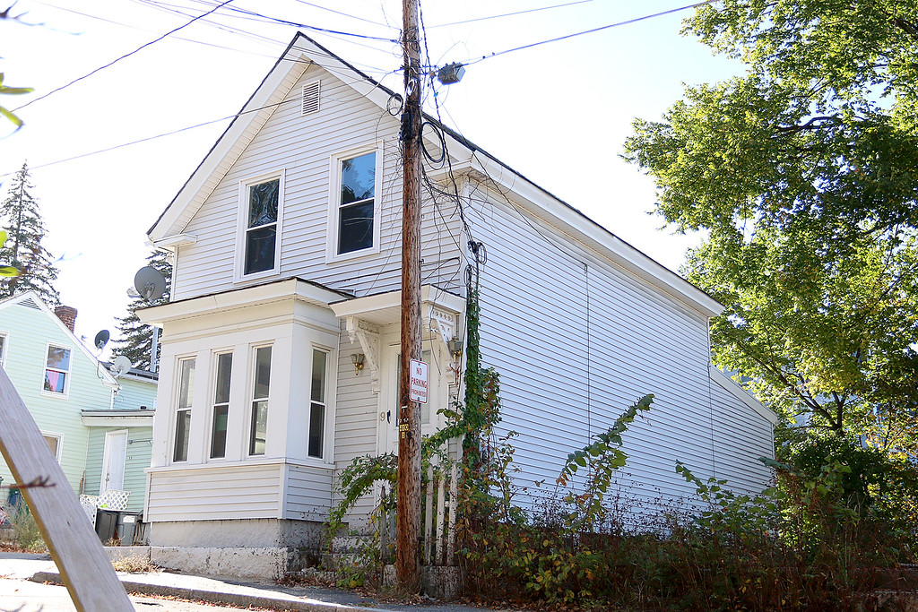 . Since January 1, 2017 owners and investors in Fitchburg have submitted requests to reinstate the previously vacant or abandoned buildings listed. Reinstatement allows owners to sell or use properties. This property is at 9 Milk Street. SENTINEL & ENTERPRISE/JOHN LOVE