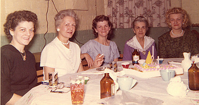 A  Virginia, unknown,A  Frances, Grandma Edna and A  Geri