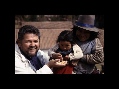 Jim with Quechua Girls - Peru 1994