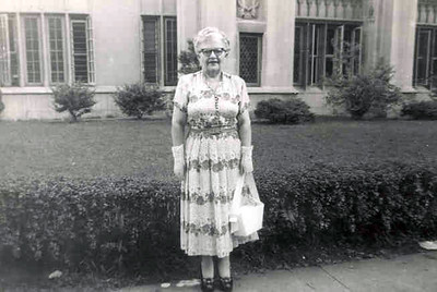 Aunt Nell Warfield at Charleston Hotel  This is a new dres(1)