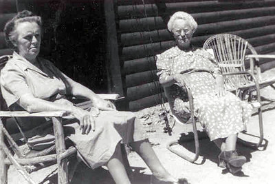 17  Grandma Warfield and Aunt Lib