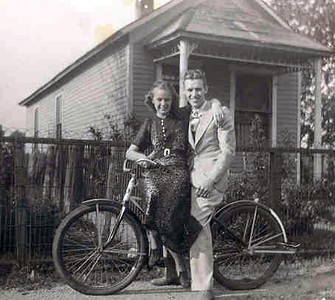 3  Eldon Warfield and Vivian Vollmer on Bike