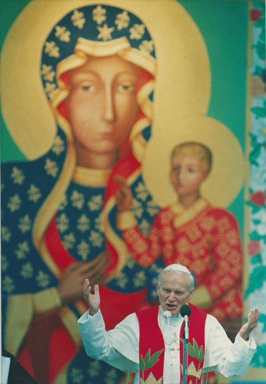 . Pope John Paul II made a stop at Orchard Lake St. Mary\'s during his visit to southeast Michigan. (File/The Oakland Press)