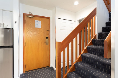 L305 Stairway Entry