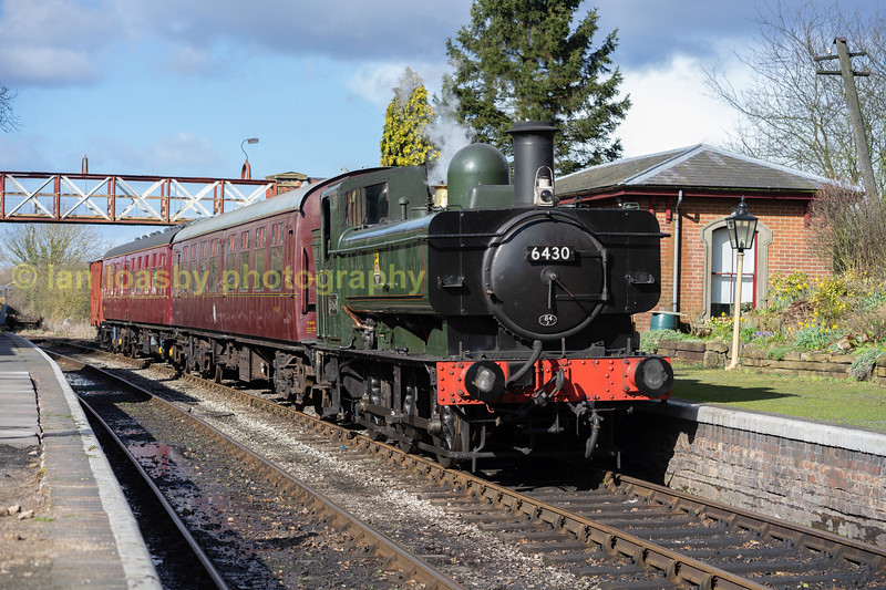 6430 awaits for departure from Shacklestone
