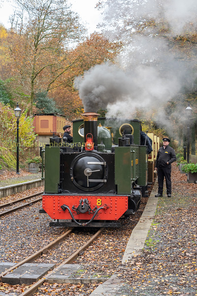 The guard and footplate crew confer at Nantyronen