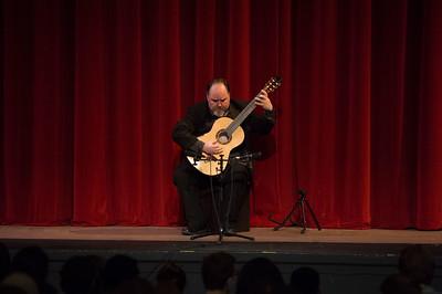 Classic Guitarist Patrick Kearney visits Taft