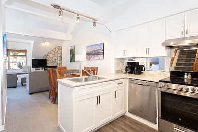 L328 Kitchen Living