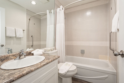 L328 Bath 1