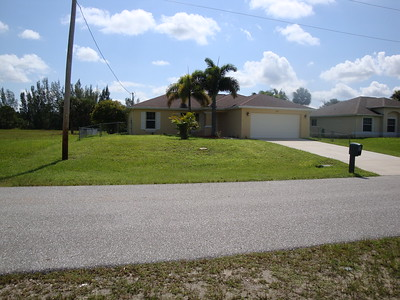 3327 NE 8th Pl. Cape Coral, Florida