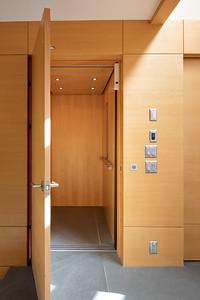 3335 Elevator 1