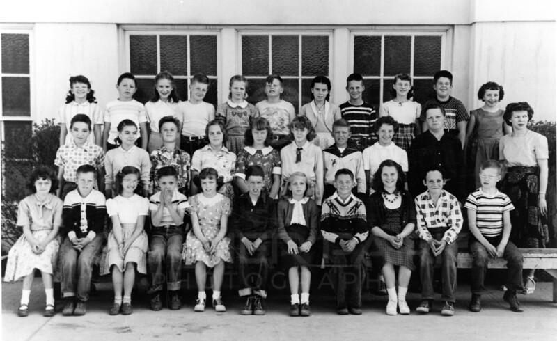 Class 1959 in 5th grade<br /> L0077