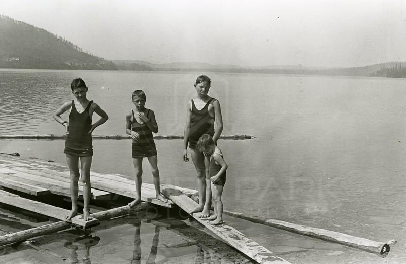 Ferde Greene Photo<br /> 8/21/1931 Whitefish Lake, Howard, Francis Lee, Melvin & Ruth Ann Greene<br /> 3489