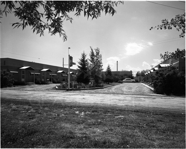 Whitefish Courts Owned by Norm Kurtz 1957<br /> Lacy Photo<br /> 0039-6179