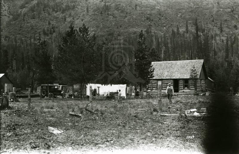 Ferde Greene Photo<br /> 8/23/1926 Geo Edwards, East of Trap Zoo, Stringfellow later, Ferde's Overland Car<br /> 1429