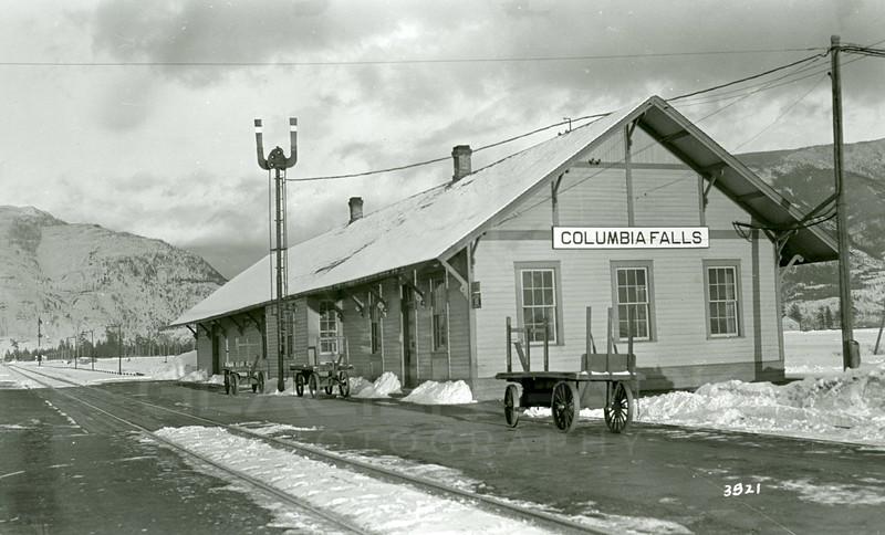 Ferde Greene Photo, 2/14/1937, Columbia Falls Train Depot