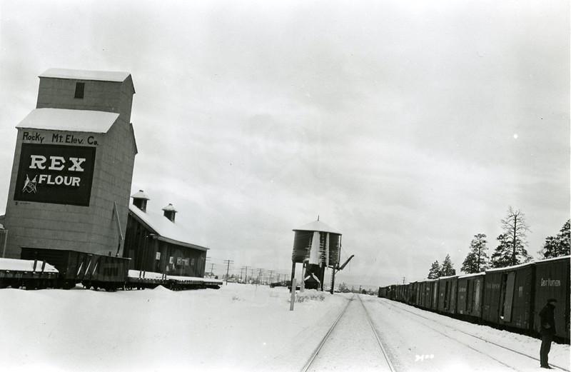 Ferde Greene Photo<br /> 1/11/1925 East end Columbia Falls, Montana Yard<br /> 3400