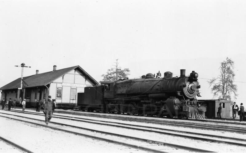 Ferde Greene Photo<br /> 10/12/1917 Moving the Train Depot<br /> 5251