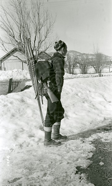 Ferde Greene Photo, 3/7/1937, Mal returns from North Fork he worked with Joe Fisher at Big Creek Shoveling Roofs