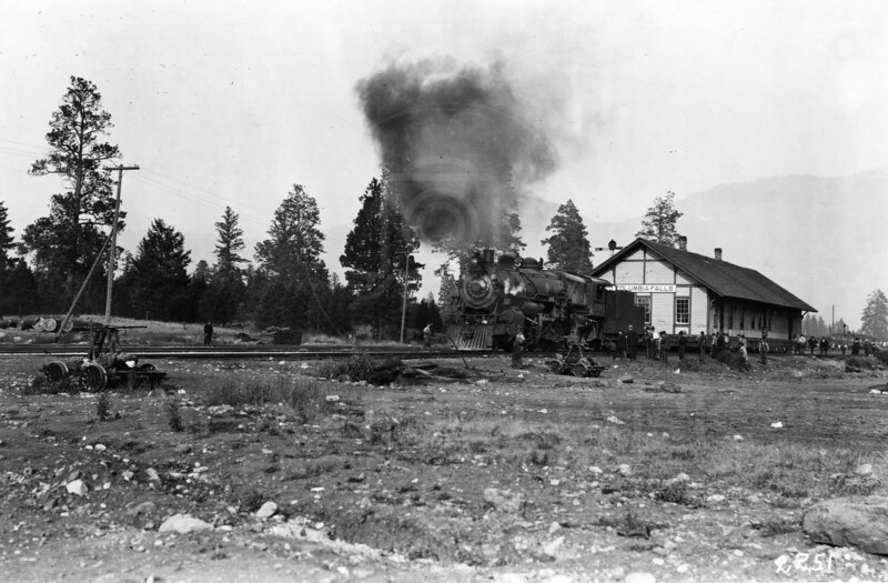 Ferde Greene Photo<br /> 10/12/1917 Moving the Columbia Falls Train Depot<br /> 1/25 f11<br /> 2251