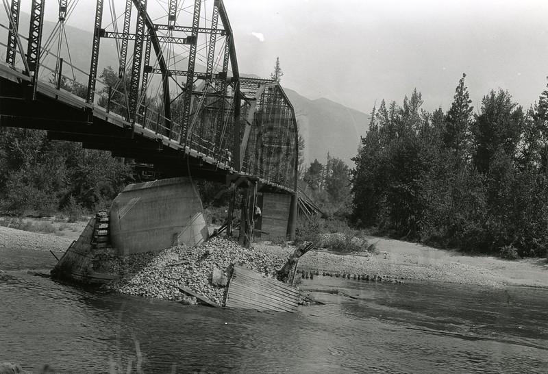 Ferde Greene Photo<br /> 7/31/1929 3PM Flathead Red Bridge<br /> 2464