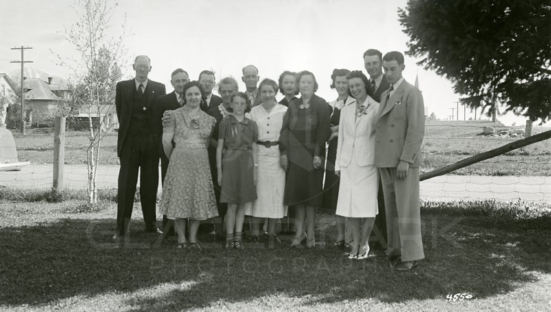 Ferde Greene Photo, 5/14/1939, Wedding Party, L to R Ferde, ?, Allan, Howard far R, Bottom Row, L to R, Jeannie Lee, Eva Jordan, Girl is Ruth Ann, Elizabeth, Ruby in White on R