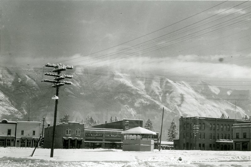 Ferde Greene Photo<br /> 2/5/1922 12PM, School house, Gaylord Hotel owned by Lewis who built Lake McDonald Lodge, Chinaman's restaurant on left hotel and restaurant burnt down, Columbia Falls, Montana<br /> 6353