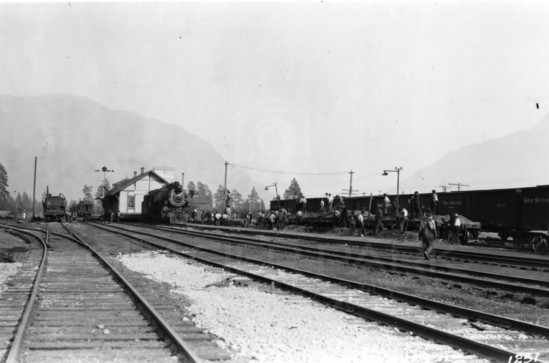 Ferde Greene Photo<br /> 10/12/1917 Moving the Columbia Falls, Train Depot<br /> 1/25 f11<br /> 1251