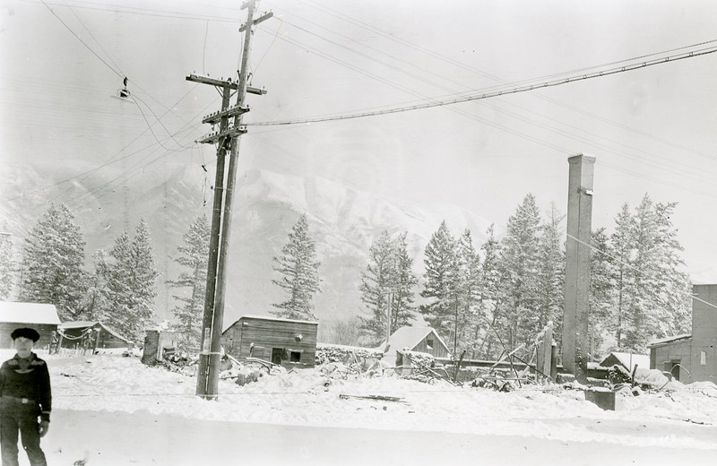 Ferde Greene Photo<br /> 12/25/1928 Gaylord Hotel after fire, Melvin Greene<br /> 6449