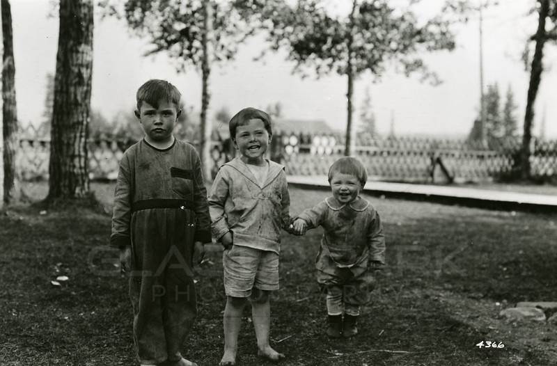 Ferde Greene Photo<br /> 9/25/1922, Malvin, Howard & Allan Greene, Columbia Falls, Montana<br /> f11 1/25<br /> 4366