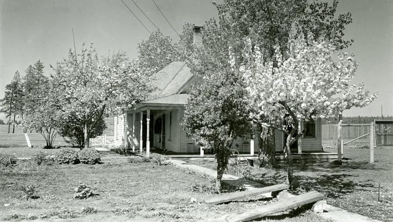 Ferde Greene Photo, 5/14/1939, Ferde's Home, 4th Ave W & 3rd Street, Montana