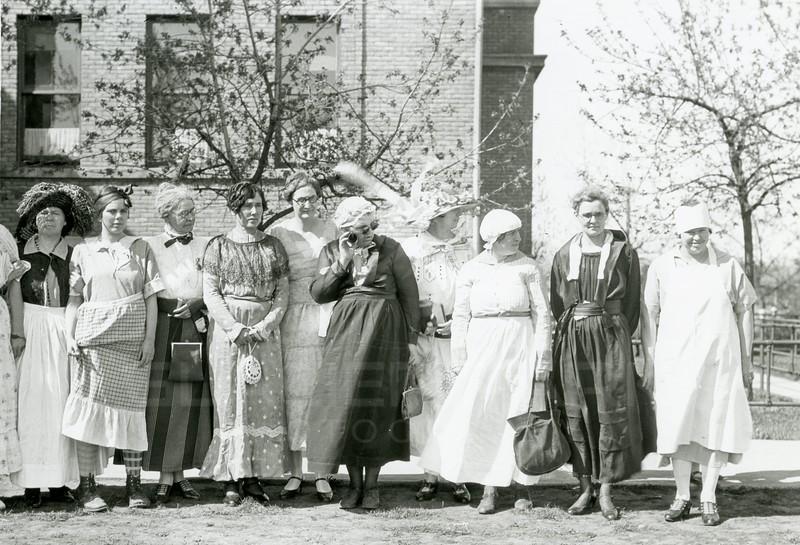 Ferde Greene Photo<br /> 5/10/27 5PM 12 Old Maids, Old Talbot school<br /> 4439
