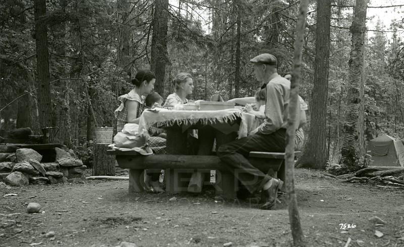 Ferde Greene Photo, 7/11/1937, Sprague Creek Camp, Dode Jordan, Her mother and Eva, Ferde