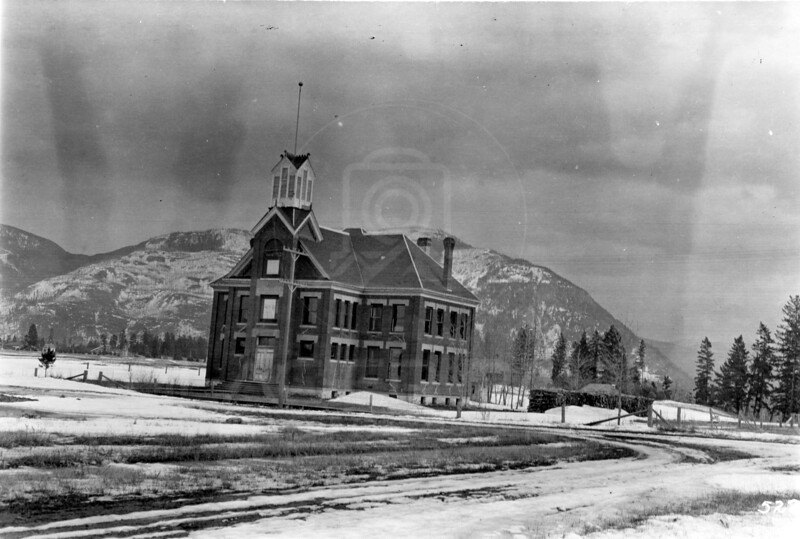 Ferde Greene Photo<br /> 3/12/1915 Columbus School built 1892, Columbia Falls - Was torn down in 1942<br /> 5223