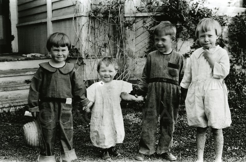 Ferde Greene Photo<br /> 8/8/1922 10AM, Howard, Alan, Malvin & Ruby, Columbia Falls, Montana<br /> f11 1/25<br /> 2361