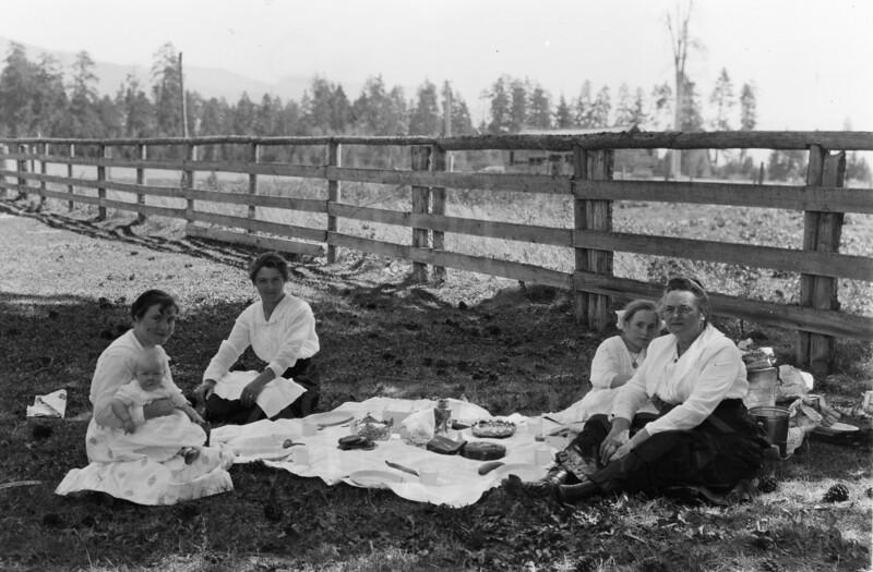 Ferde Greene Photo<br /> 8/12/1917 4PM Anaseth Greene & Betty Greene holding Ruby, Columbia Falls, Montana<br /> 1/25 f16<br /> 4245