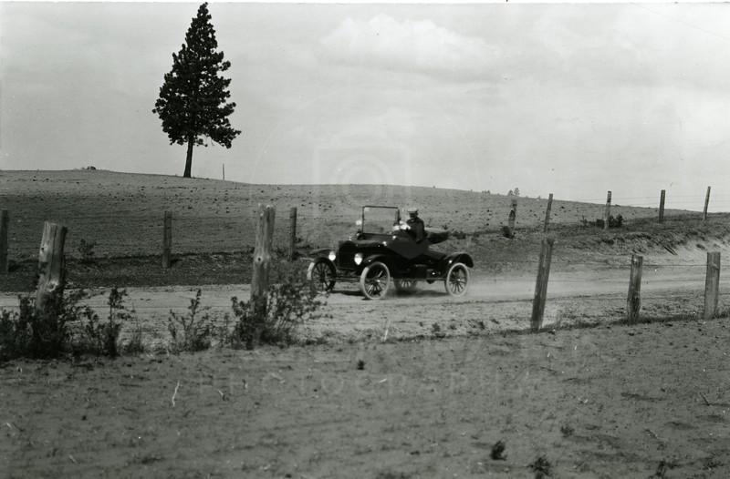 Ferde Greene Photo<br /> 5/30/1918 1PM LA Smith door dentist<br /> 1/300 f8<br /> 2260