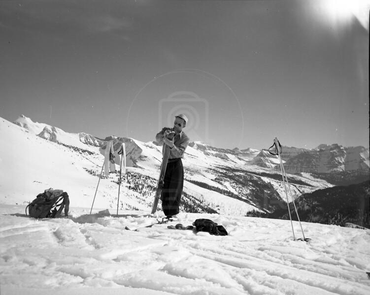 Skiing Kootenai Pass