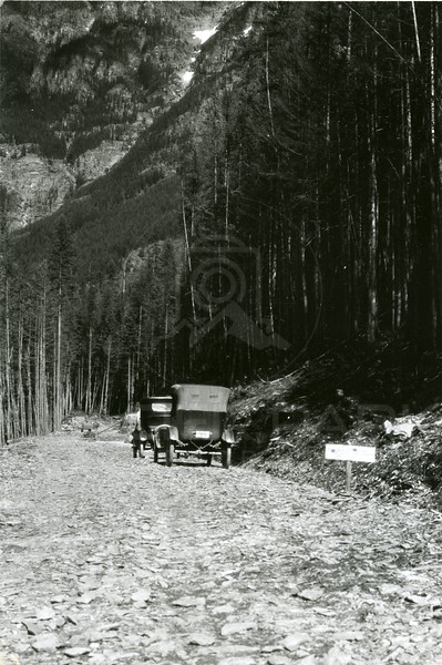 End of the road in Glacier Park 1922