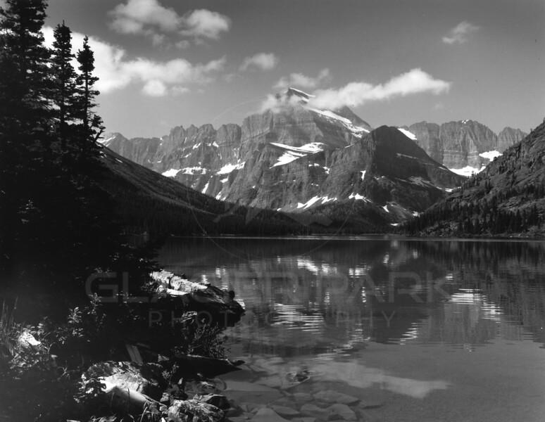 Many Glacier Swiftcurrent Lake