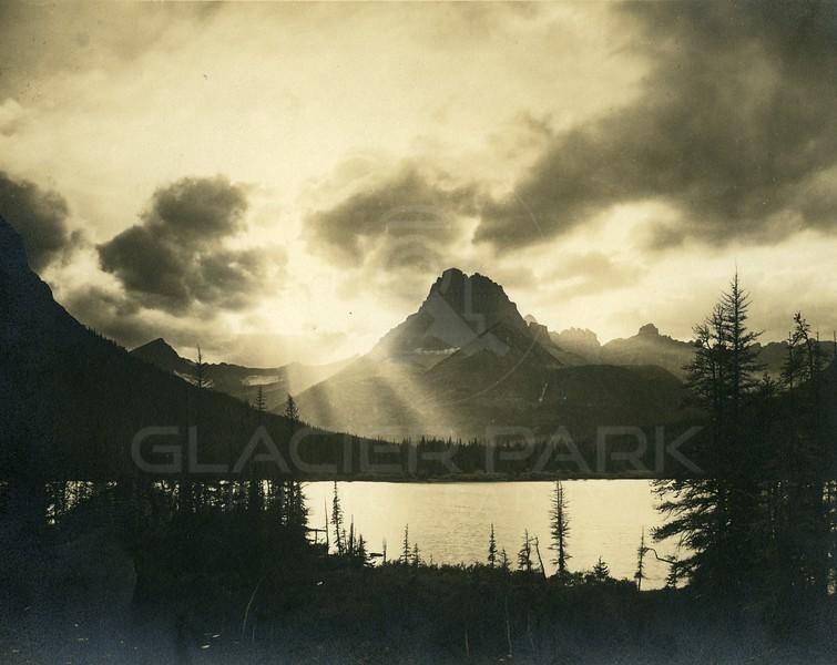 Sunset Mt Dermott & Mt Wilber<br /> Photo by Fred H. Kiser<br /> 5832