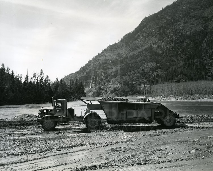 Moving Rock to build Hungry Horse Dam