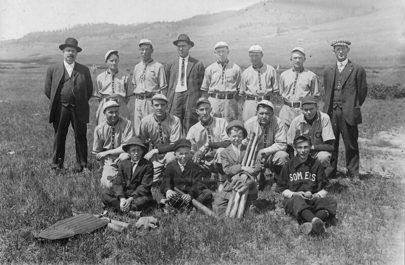 Somers-Baseball-Team-1911