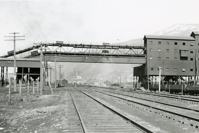 Ferder Greene Photo<br /> 4/8/1914<br /> Tipple Bridge, Michel, BC<br /> 1/25 f11<br /> 411