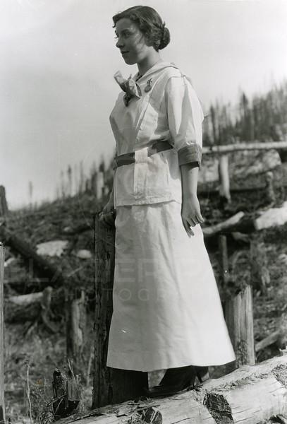 Ferde Greene Photo<br /> Elizabeth Gregory Greene 1913 in Michel BC<br /> 3114