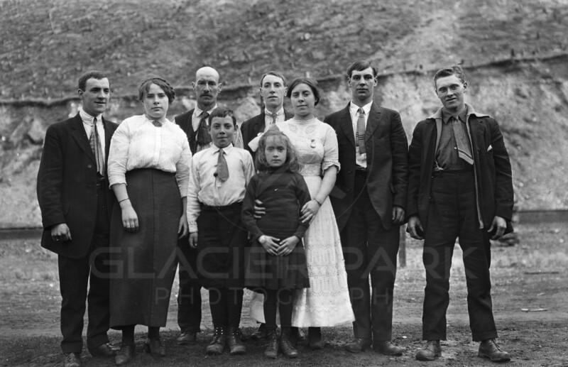 Ferde Greene Photo<br /> 10/30/1914 LtR George Gregory, Annie Gregory, Leslie, Leonard, Emily, Elizabeth, Earnest Doosbury, Tom Doosbery<br /> Kid killed in lumber accident tree fell on top of Sawyer<br /> 1194