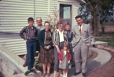 Wayne, Bob Peart, Gladys Peart, Dorothy, Olive Grundy, Herman Grundy, Theresa.  Peart Farm in Harveyville, Kansas.  June, 1965