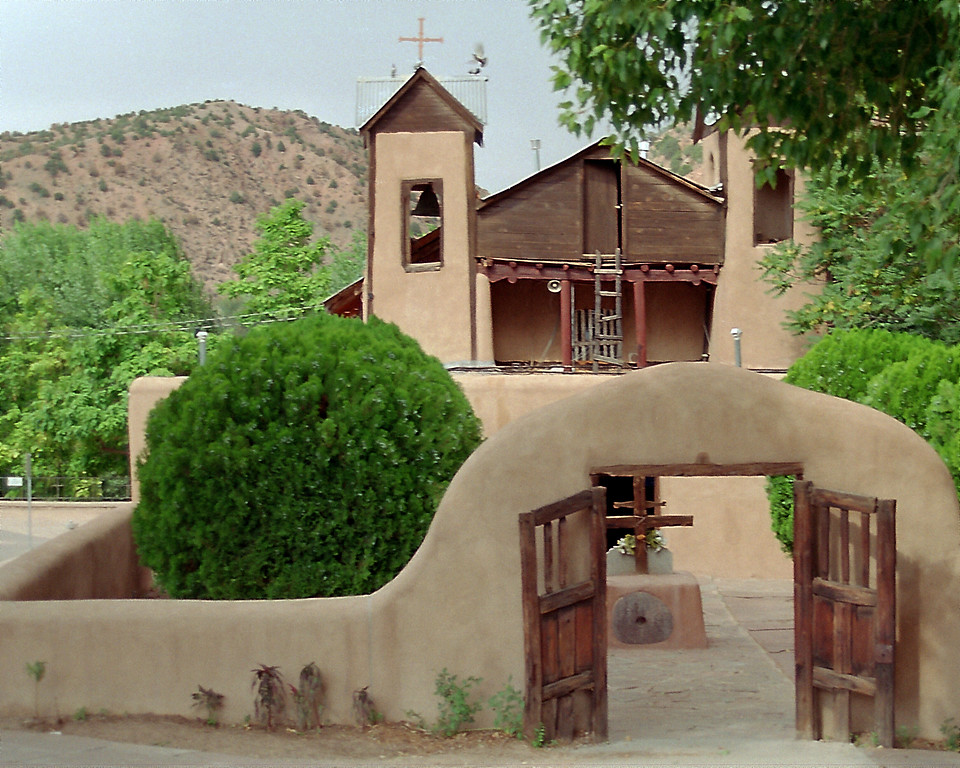 Chimayo with bird in flight