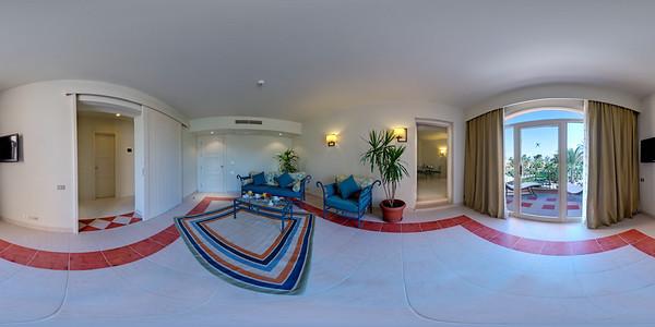 Grand suite living tv