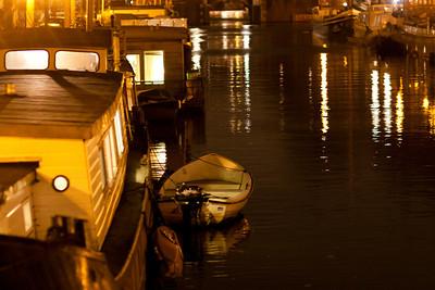 330 | Canal Light